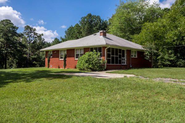 brick-ranch-home-11